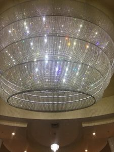 If a chandelier cannot refract light then it wont appear to sparkle